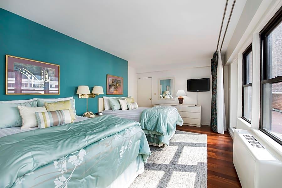 Lovely 2 Bedroom, 2 Bathroom suite in Midtown