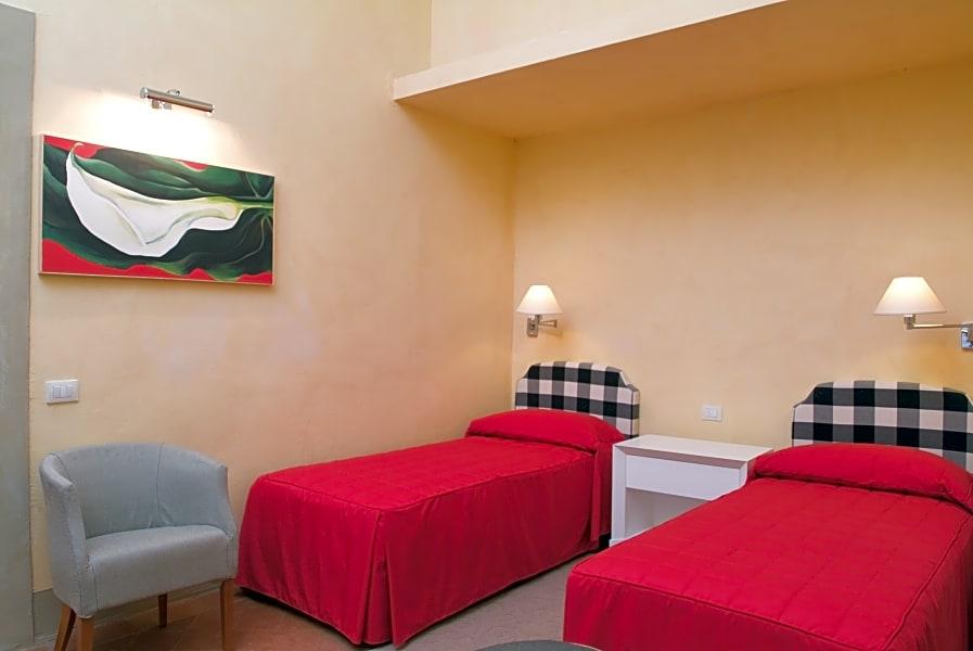 Basic studio apartment between Duomo & Accademia