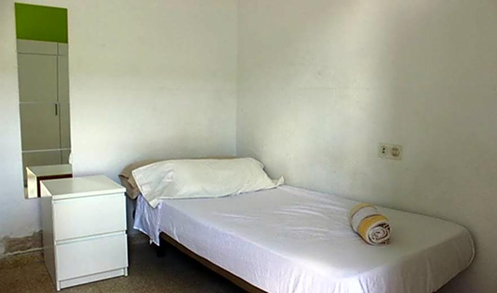 Room 2(92) - Plaza del Zurraque 8