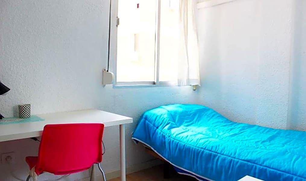 Room 3(161) - Calle Maestro Arrieta 3