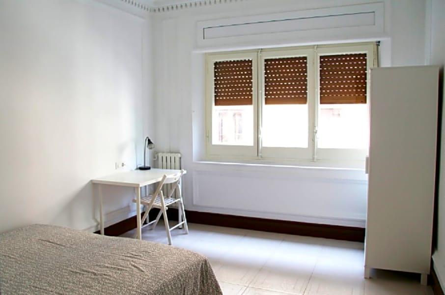 Flat 5 Room 2 Jonqueres 6 BR Apt