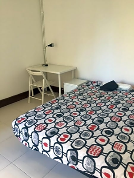 Flat 5 Room 4 Jonqueres 6 BR Apt