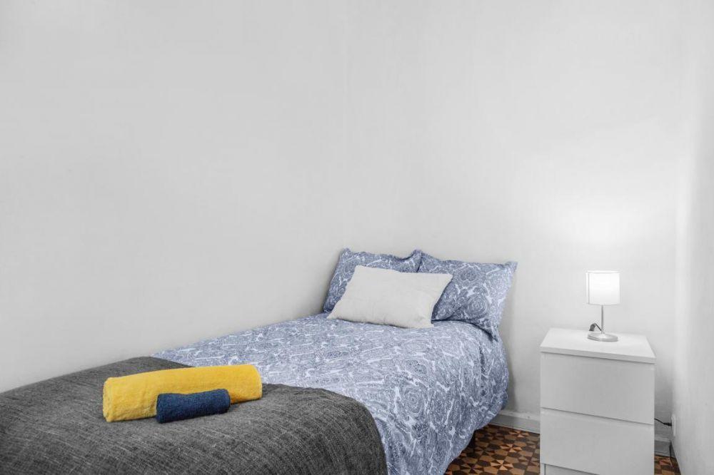 Room 1 - Avinyo 24 2-1