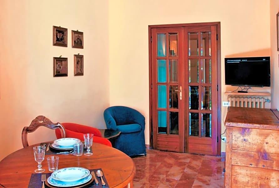 Apartment near Piazza Della Libertà