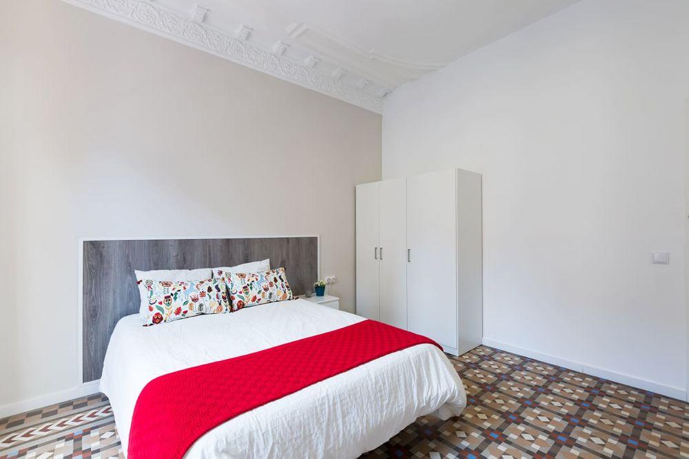 Room 5 - Balmes 26- A