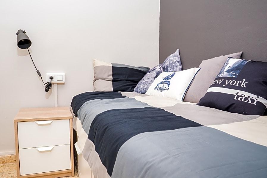 Single Room in Stylish Flat (RH4-R3)