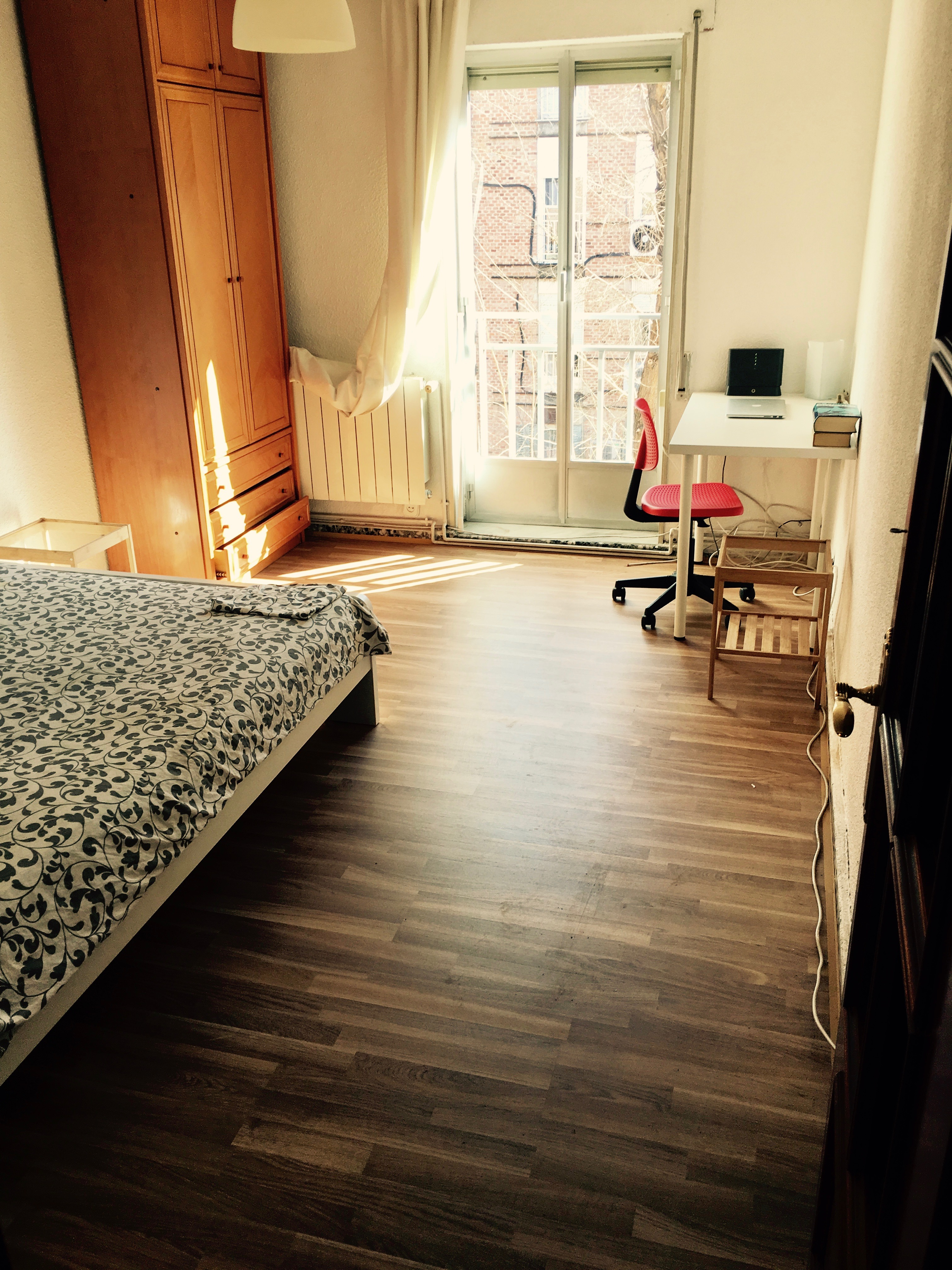 Huge and beautiful room 10 mins from Atocha