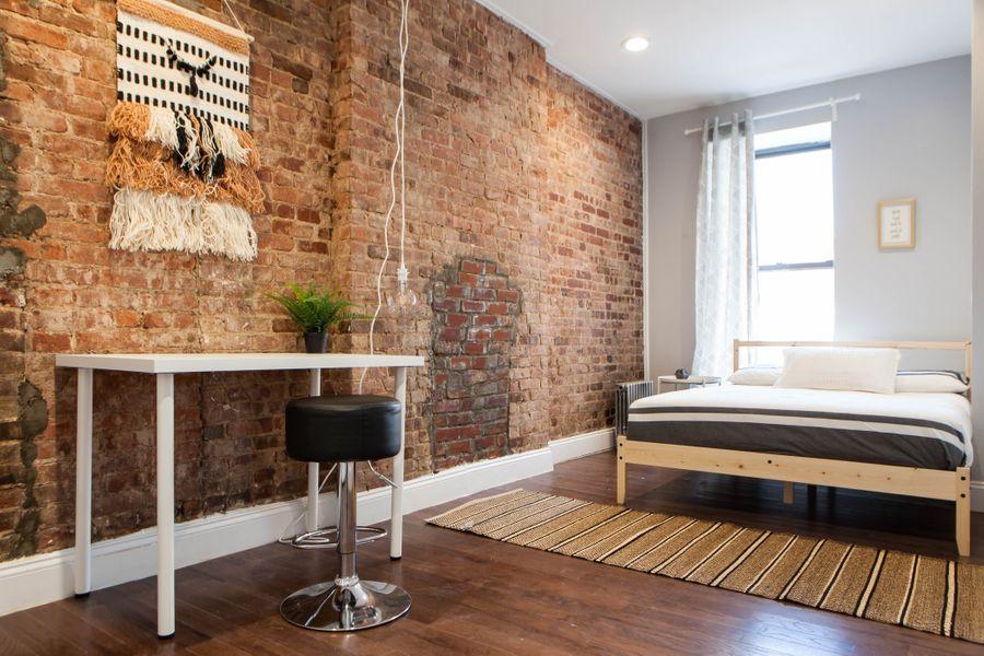 Room 2 - Lenox Avenue Apt 4