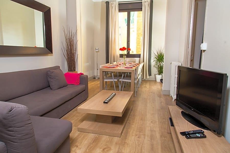 Apartment - Sepulveda 51