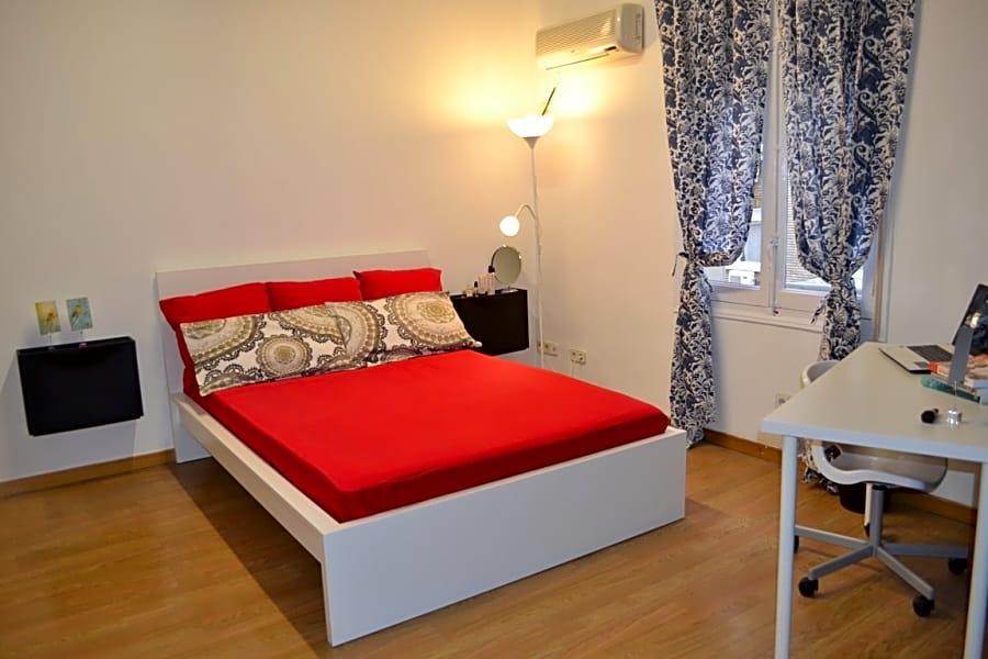 Room IX in Marques 2 Apartment
