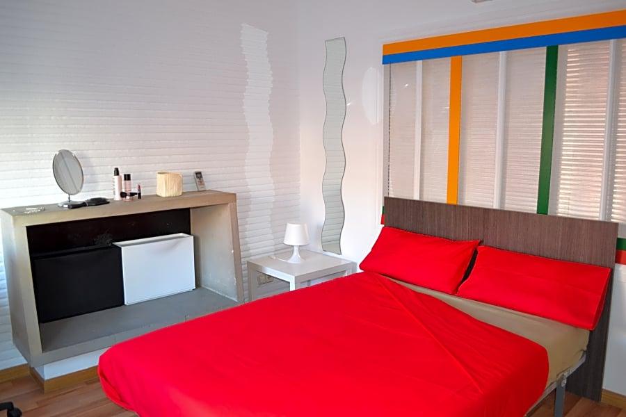 Room VI in Zaragoza 104 Apt